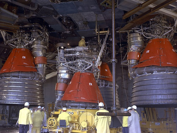 1280px-F-1_Engines_Being_Installed55.jpg